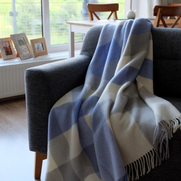 Luxury Extra Soft Sofa Bed Throw / Blanket DEVON- 100% NEW ZEALAND WOOL (Blue)
