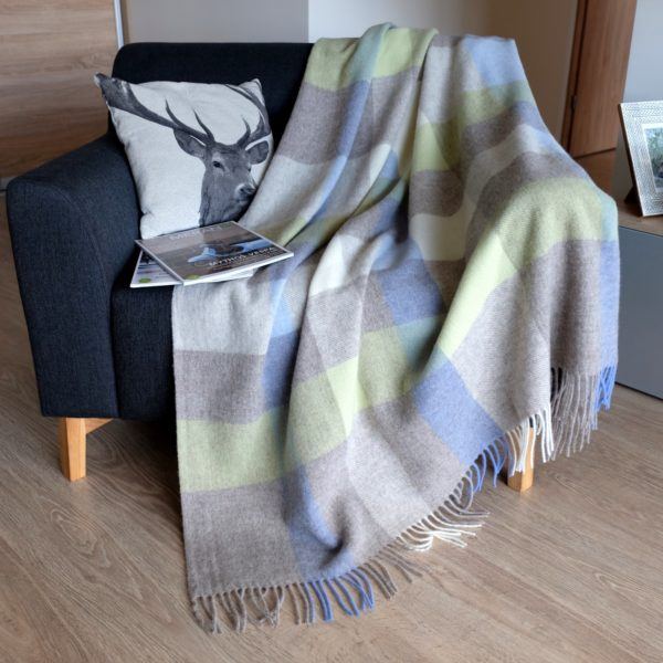 Luxury Extra Soft Sofa Bed Throw / Blanket DEVON- 100% NEW ZEALAND WOOL (Green/Blue)