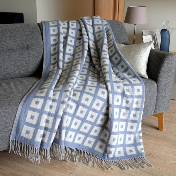Luxury Extra Soft Sofa Bed Throw / Blanket ROME - 100% FINE MERINO WOOL (140 x 200cm, Blue)